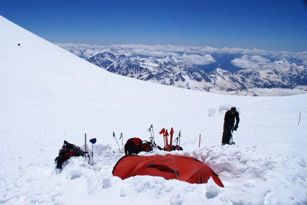 Экспедиционная палатка с повышенной ветроустойчивостью. Alexika Mirage 4